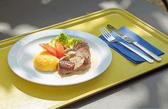 Geschmorte Kalbfleischvögel an Polenta und Romanesco-Gemüse
