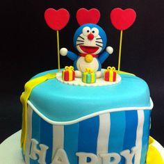 Doraemon Rainbow cake filling.http://cakedeliver.com/Fondant_Rainbow_3D_Doraemon/