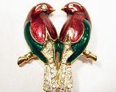 Vintage Enamel Rhinestone Love Birds Pin Figural Bird Gold Tone Brooch 315DG