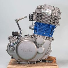 Vintage Motorcycles, Cars And Motorcycles, Engineering Works, Yamaha Bikes, Combustion Engine, Motorcycle Engine, Bobber Chopper, Old Bikes, Sport Bikes