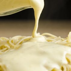 A tasty Alfredo Sauce recipe. Serve over recipes calling for a good white cheese sauce. Alfredo Sauce Recipe from Grandmothers Kitchen. I Love Food, Good Food, Yummy Food, Tasty, Pasta Dishes, Food Dishes, Pasta Meals, White Cheese Sauce, Sauce Recipes