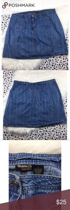 Plus Size Vintage Denim Jean Skirt with Pockets Looking for an awesome denim skirt to add to your wardrobe? I'm please to tell you that you've found it! This super cute skirt is in great preloved condition with no notable flaws! Make this a wardrobe staple today! Skirts