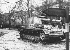 German self-propelled heavy field howitzer Sd. 165 'Hummel' cm Panzer-Haubiter auf Fahrgestell des Geschutz Wagen III / IV Hummel), destroyed by Soviet troops in the Polish town of Brig (Brieg) (now Brzeg (Brzeg) in Poland during the onset of February Army Vehicles, Armored Vehicles, Luftwaffe, Berlin 1945, Self Propelled Artillery, Ww2 Tanks, Military Diorama, War Machine, World War Two