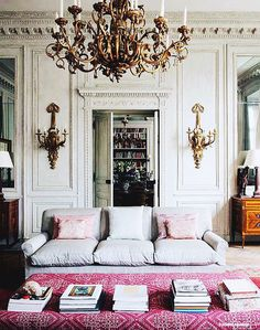 Home Design Inspiration For Your Living Room Style At Home, Vintage Modern, Vintage Glam, Home Design, Design Ideas, Design Projects, Parisian Chic Decor, Shabby Chic, Eclectic Decor