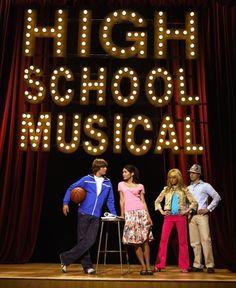 Ashley Tisdale, Vanessa Hudgens, Zac Efron and Lucas Grabeel in High School Musical (2006)