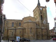 Santa María del Azogue (Benavente). Cabecera con cinco ábsides.
