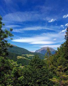 Dal sentiero per il Rifugio Gianpace uno scorcio sui monti bergamaschi! #montagna #trekking