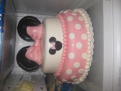 Minnie Mouse Cake I made for a little girls 4th birthday!! :)