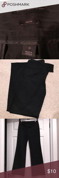 Express Editor Dress Slack/ Striped EXPRESS DESIGN STUDIO EDITOR SLACKS❣️EXCELLENT CONDITION❣️SIZE 0 SHORT(30inch inseam)❣️10% OFF WHEN YOU BUNDLE❣️ Express Pants