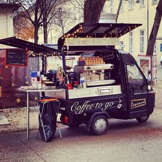 The Truck, to start out. Espresso Mobil @ Campus der Universität Wien - Altes AKH. Love Coffee - Makes Me Happy