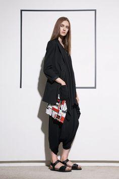 YOHJI YAMAMOTO, RESORT 2017 #ss17 #bw #avantgarde #fashiondesign