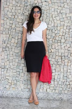 Look da Camis: Parka Madreperola camiseta e saia Renner Scarpin Zara Bolsa Chanel Óculos Miu Miu