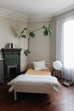 postpatternism:  Lucile Demory bedroom. Photo Nathalie Weiss.