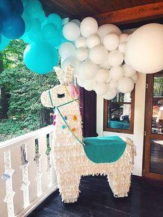 Llama Birthday, Baby Girl First Birthday, First Birthday Parties, Birthday Party Themes, First Birthdays, Party Fiesta, Festa Party, Diy Party, Party Ideas