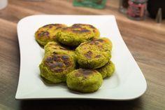 Ein Falafel-Rezept für saftige und leckere Falafel, die nicht auseinander fallen und nicht trocken sind - ganz ohne Fritteuse. // www.marsmaedchen.net