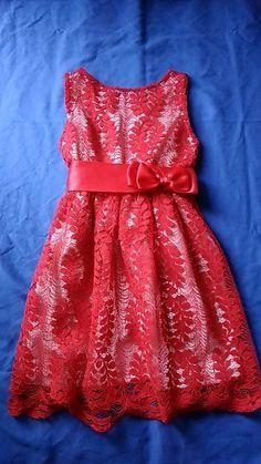 28a6b268414a4 Robe dentelle - Robe dentelle a noeuds rouge. 4-5 ans. Vinted