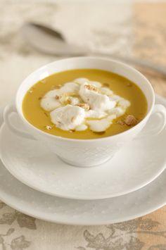 Cappuccino di zucca con crema al gorgonzola. -       Pumpkin cappuccino with cream and gorgonzola.