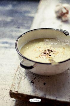 krem ze skorzonery, ziemniaków i czosnku | Krew i mleko - kuchnia i fotografia