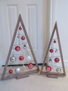 27 Rustic Stained A-frame Christmas Tree Ornament Display / Ornament Hanger 3 – Home Decoration Classic Christmas Decorations, Christmas Wood Crafts, Pallet Christmas Tree, Handmade Christmas Decorations, Noel Christmas, Christmas Centerpieces, Xmas Decorations, Christmas Projects, Christmas Tree Ornaments