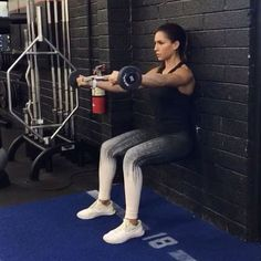 Wall sits and more  1. 10 each side  2. 15 each side  3. 15 each side  4. 15 total  3-5 rounds  #alexiaclark #queenofworkouts #gymworkout #motivation #squat #pistolsquat #gym #core #legday