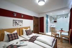 Twin room at Chalet Amalien Haus, St Anton. Ski holidays with flexiski.