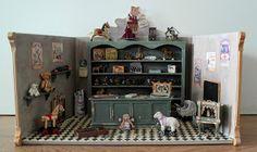 """All about dollhouses and miniatures: """"Antieke speelgoedwinkel"""" gemaakt in schaal 1:12"""