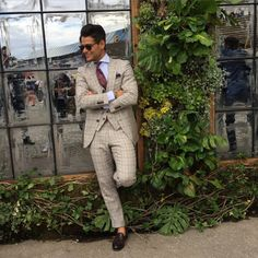 Second day of Pitti…. Three piece suit Prince of Wales in linen with brown moccasin and paisley tie by @fontana_1961  by @davidemicciulla #frankgallucci #proudtobeitalian