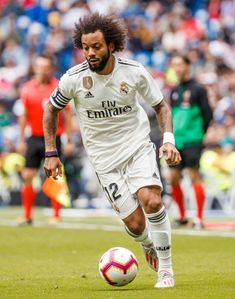 Messi And Ronaldo, Cristiano Ronaldo, Marcelo Real, Real Madrid Pictures, Liverpool Uefa, Uefa Champions League, Athletes, Soccer, Sports