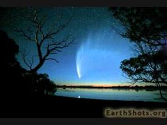 McNaughts Comet Eyre Peninsula South Australia (by john white photos) Great Photos, Cool Pictures, To Infinity And Beyond, Natural Phenomena, South Australia, Looks Cool, Amazing Nature, Night Skies, Beautiful Images