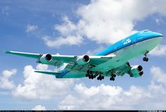 Beautiful colours for this KLM 747 on final at St Maarten.
