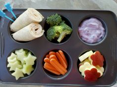 Healthy snack for kids. I like the shapes that the fruit is cut into. Makes it more appealing to children. (Source: Muffin Tin Mom: Muffin Tin Monday - Eating Healthy.)
