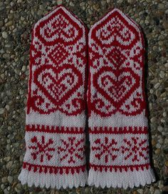 NOTE: You get the pattern in both Norwegian and English by downloading it here on Ravelry!