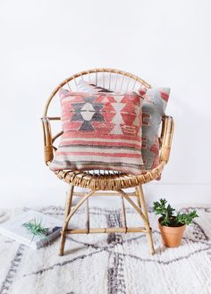 VINTAGE TURKISH KILIM PILLOW COVER // THE LYDIE  our turkish kilim pillows are handcrafted, one-of-a-kind pieces created from vintage textiles