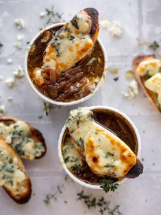 Classic French Onion Soup, Onion Soup Recipes, How Sweet Eats, Blue Cheese, Soup And Salad, Yummy Drinks, Soups And Stews, Easy Dinner Recipes, Food To Make