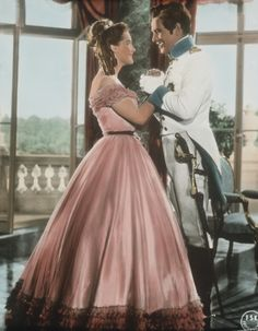 Romy Schneider in Sissi Romy Schneider, Sissi Film, Impératrice Sissi, Beautiful Costumes, Beautiful Dresses, Vintage Hollywood, Classic Hollywood, Empress Sissi, Reine Victoria