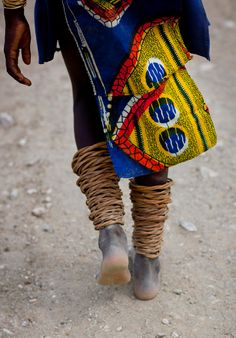 Africa | Mucubal With Anklets.  Virie Area, Angola | © Eric Lafforgue