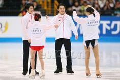 (L-R) Takahiko Kozuka, Satoko Miyahara, Takahito Mura, Kanako Murakami (JPN), OCTOBER 4, 2014 - Figure Skating : Japan Open 2014 at Saitama Super Arena, Saitama, Japan. (Photo by Yohei Osada/AFLO SPORT) (512×341)