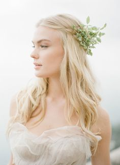 boho themed wedding hairpieces with leaves
