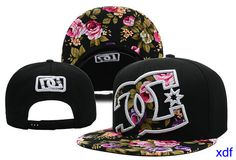 marca gorras dc shoes snapback flor mujer-015