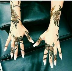 #mehndi #hina #henna #hands #beautiful Cool Henna Designs, Latest Arabic Mehndi Designs, Mehandhi Designs, Hena Designs, Finger Henna Designs, Bridal Henna Designs, Beautiful Henna Designs, Mehndi Designs For Hands, Flower Jewellery For Mehndi
