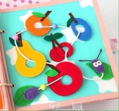 Ideas sewing toys for toddlers felt books Diy Quiet Books, Baby Quiet Book, Felt Quiet Books, Baby Crafts, Felt Crafts, Crafts For Kids, Quiet Book Patterns, Toddler Books, Book Quilt