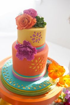 fiesta wedding cake.  www.1gateau.com