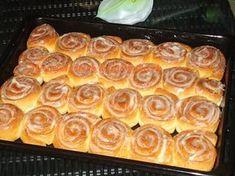 Beste Kuchen: Cinnamon Rolls with Cream Cheese Frosting Cinnamon Butter, Cinnamon Rolls, Unique Recipes, Sweet Recipes, Frosting Recipes, Cake Recipes, Sweet And Sour Cabbage, Czech Recipes, Sweet Cookies