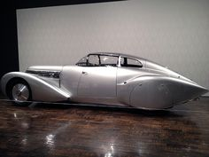 1930s Art Deco Car..This just looks cool!