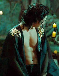 "Lee Soo Hyuk in ""The Scholar Who Walks the Night"" - and that's pretty much the only redeeming feature of this drama. Korean Men, Korean Actors, Korean Dramas, Flame In The Mist, Futuristic Samurai, Guys My Age, Lee Jun Ki, Lee Hyuk, Kim So Eun"
