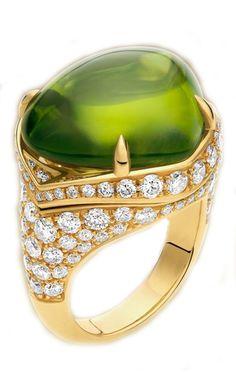 Bulgari Peridot and Diamond Ring Photo courtesy of Bulgari High Jewelry, Jewelry Box, Jewelry Rings, Jewelry Accessories, Jewelry Design, Bulgari Jewelry, Gemstone Jewelry, Jewellery, Bvlgari Ring