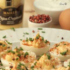 Uns ovos deliciosos com recheio de iogurte grego e Mostarda Maille de Dijon, uma receita divinal para servir na sua ceia de Natal. Para aprender a fazer em 50 segundos. Veja a receita completa em www.casalmisterio.com #video #videos #ovo #ovos #iogurte #iogurtegrego #mostarda #maille #dijon #natal #receita #receitas #top #bom #perfeito #bestoftheday #bestofthebest #bestoftoday #casalisterio #comida #delicia #delicioso #deliciosa #quero #amo #adoro #sim