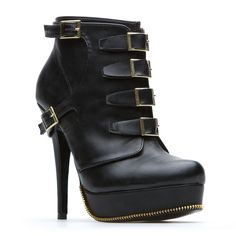 With a fearless silhouette and buckles galore, Dionne is a bootie that means business.