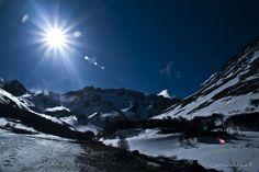 https://flic.kr/p/8RCjjp | Monte Martial -Martial Mountain | Ushuaia, Tierra del Fuego. - At the End of the World-  El monte Martial es recomendado para escalar bien alto, hasta el glaciar de montaña o colgante Glaciar Martial.  Por estar tan cerca del polo sur es posible encontrar nieve incluso en verano.  Hay también un centro de Ski. Desde el monte se tiene una hermosa vista de la ciudad de Ushuaia.  / Martial Mount is recommended for climbing up high, to the hanging glacier Martial…