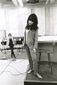 Ronnie Bennett (later Ronnie Spector), lead singer of The Ronettes, in the studio with her future husband, producer Phil Spector. Photography by Dennis Hopper. Ronnie Spector, The Ronettes, The Ventures, Alternative Rock, Wall Of Sound, Dennis Hopper, Grunge, Hip Hop, Indie